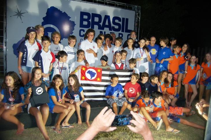 Velejadores - Campeonato Brasil Centro de Optimist